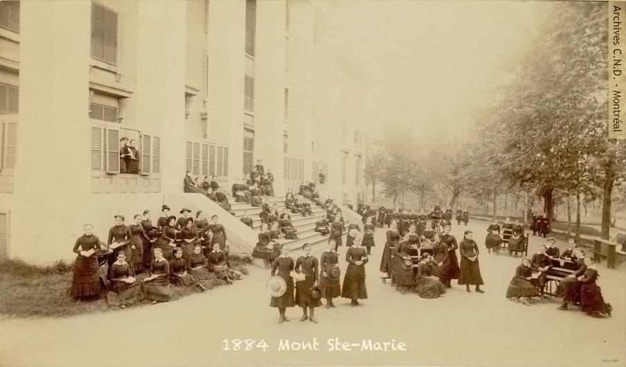 Students from Mont Sainte-Marie convent in front of the school